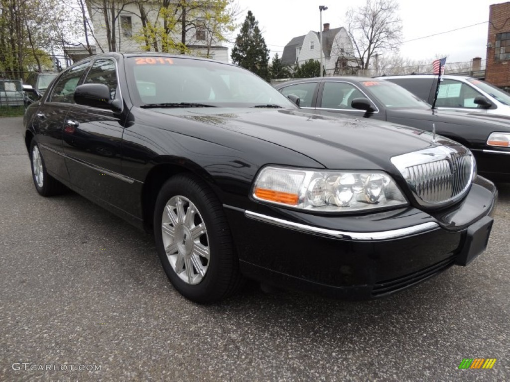 2011 Lincoln Town Car Signature Limited Exterior Photos