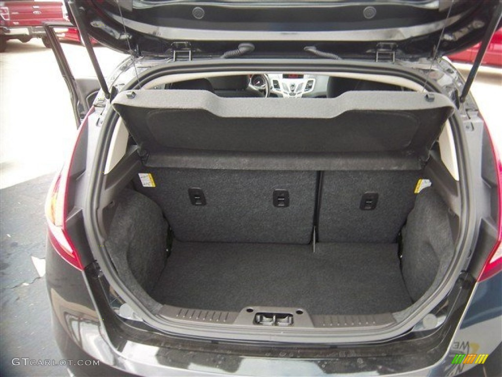 2013 Ford Fiesta SE Hatchback Trunk Photos