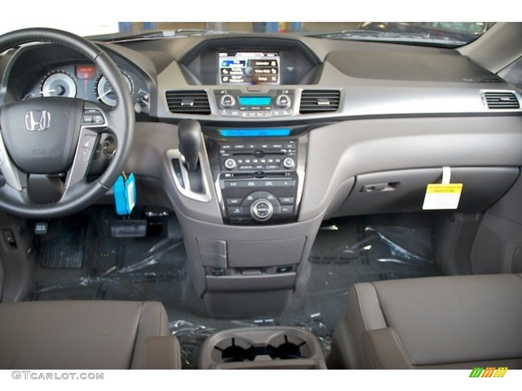 2013 Honda Odyssey Touring Elite Dashboard Photos