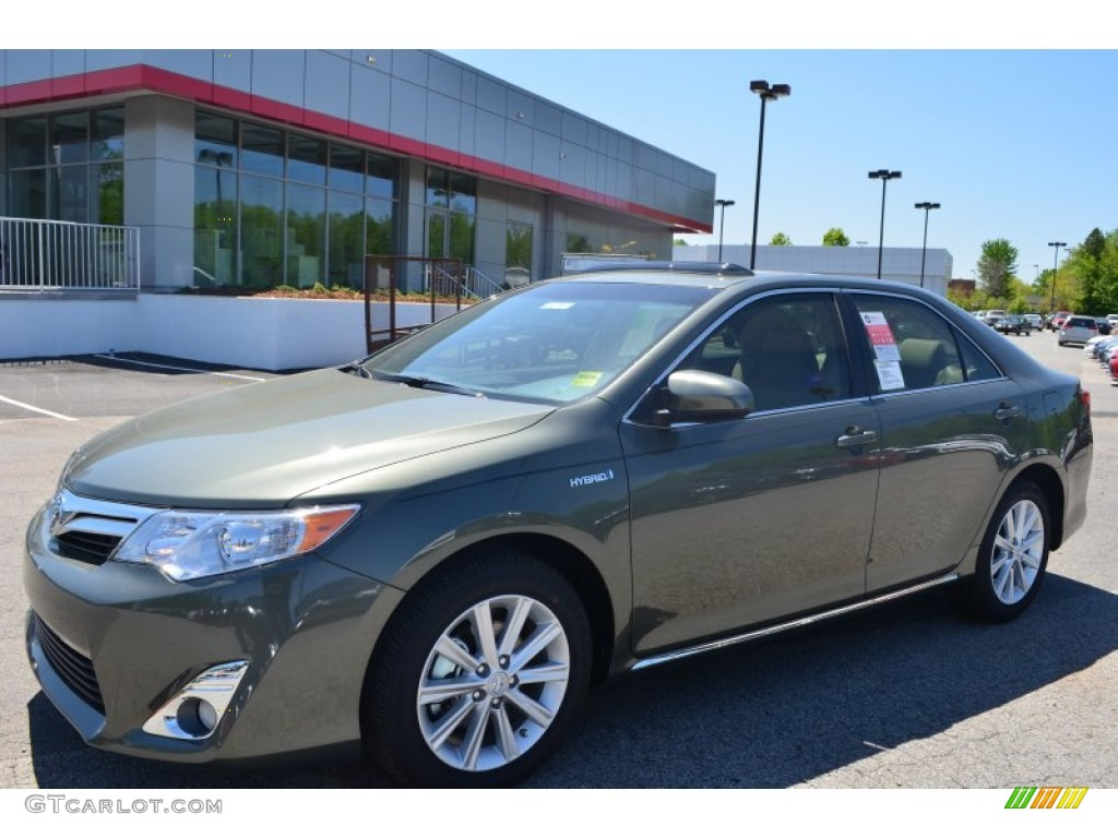 2013 cypress green metallic toyota camry hybrid xle. Black Bedroom Furniture Sets. Home Design Ideas