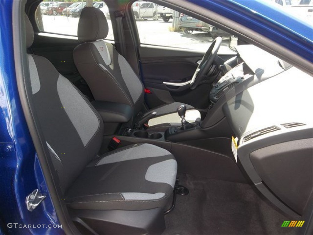 st smoke storm recaro seats interior 2013 ford focus st hatchback photo 80387103. Black Bedroom Furniture Sets. Home Design Ideas