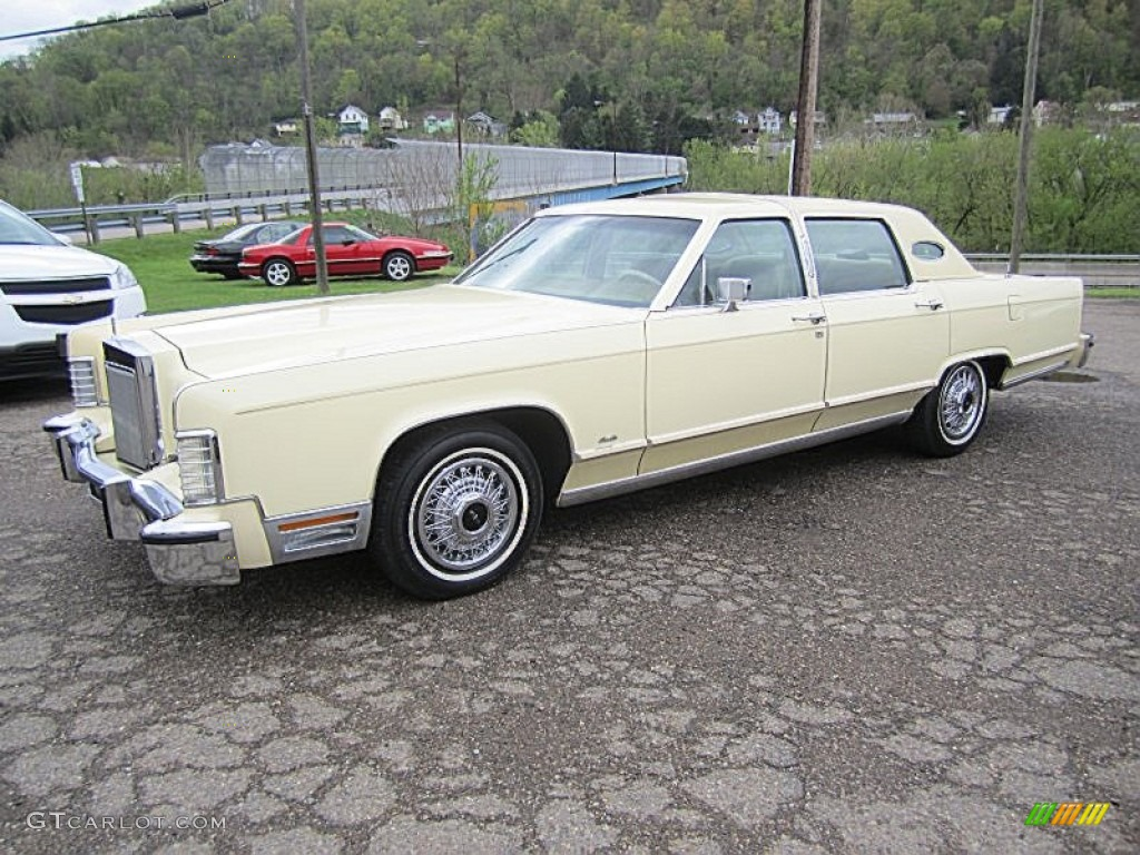 1978 Cream Lincoln Continental Town Car 80383958 Gtcarlot Com