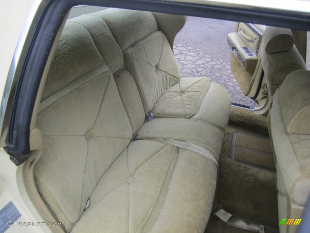 1978 lincoln continental town car rear seat photo 80391075. Black Bedroom Furniture Sets. Home Design Ideas