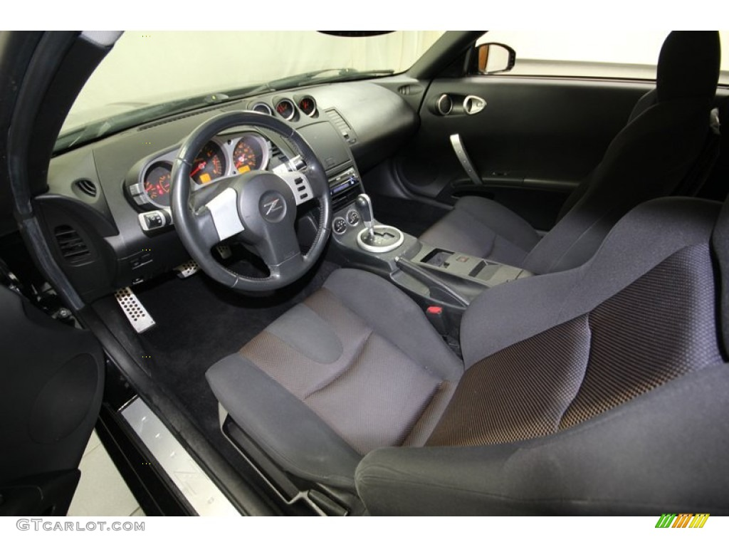 carbon interior 2005 nissan 350z enthusiast coupe photo. Black Bedroom Furniture Sets. Home Design Ideas