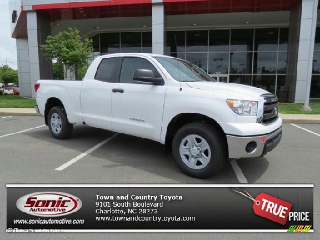 2013 Tundra Double Cab - Super White / Graphite photo #1