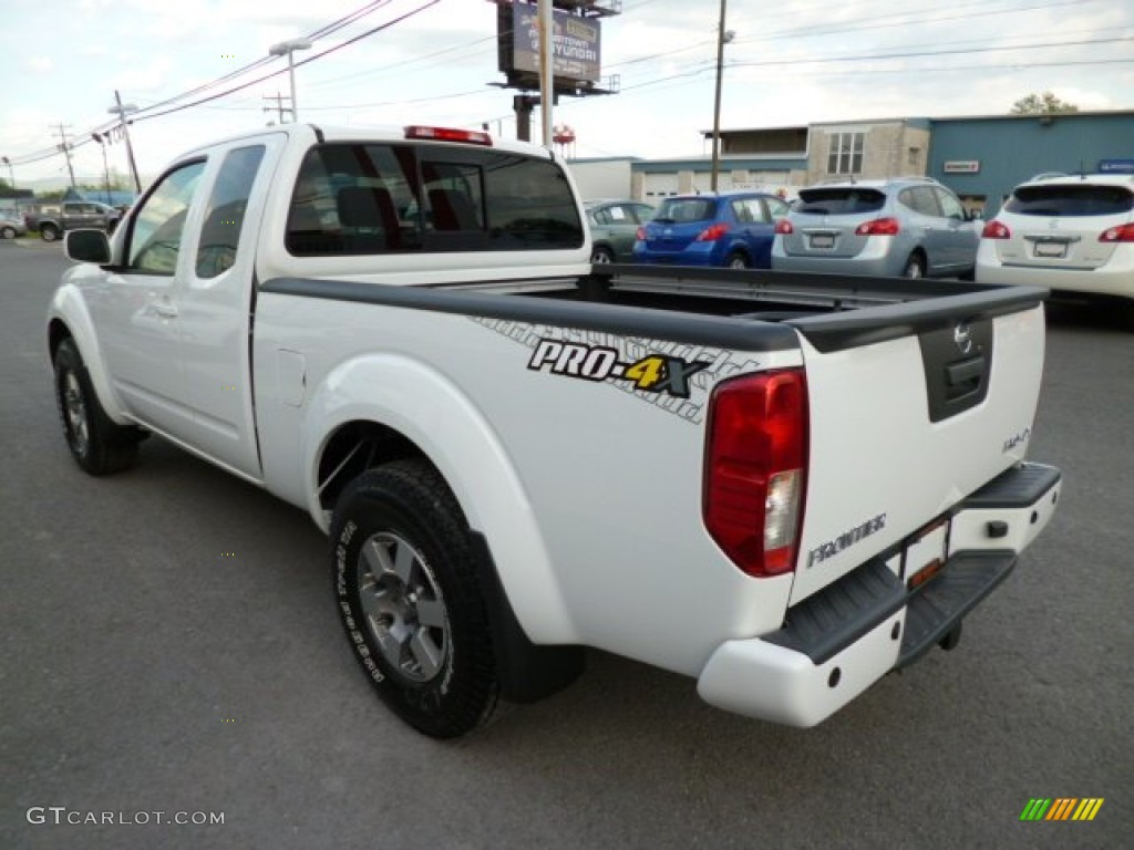 Glacier White 2013 Nissan Frontier Pro 4X King Cab 4x4 Exterior Photo  #80901333