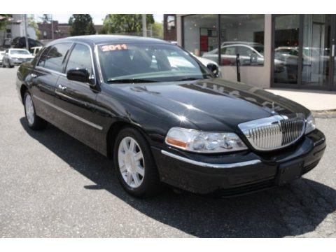 2011 Lincoln Town Car Executive L Data Info And Specs Gtcarlot Com
