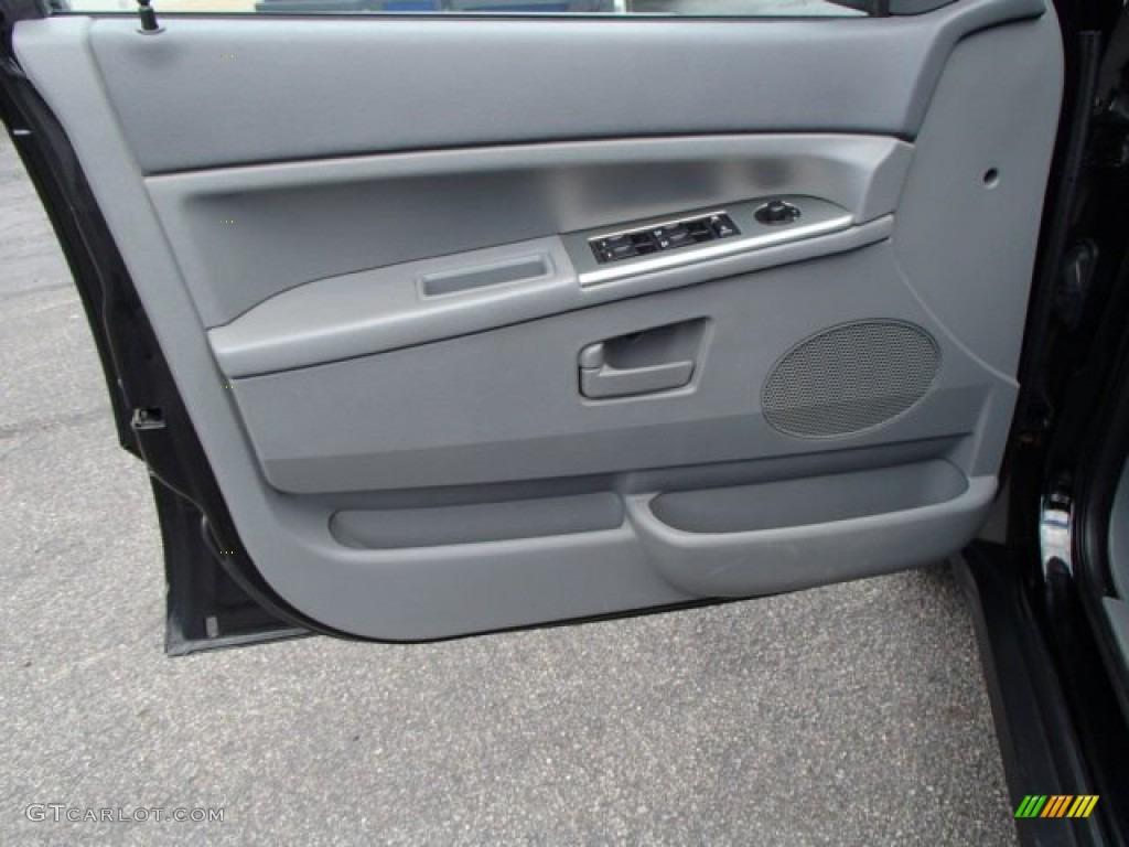 2006 Jeep Grand Cherokee Laredo 4x4 Medium Slate Gray Door Panel Photo 80978386