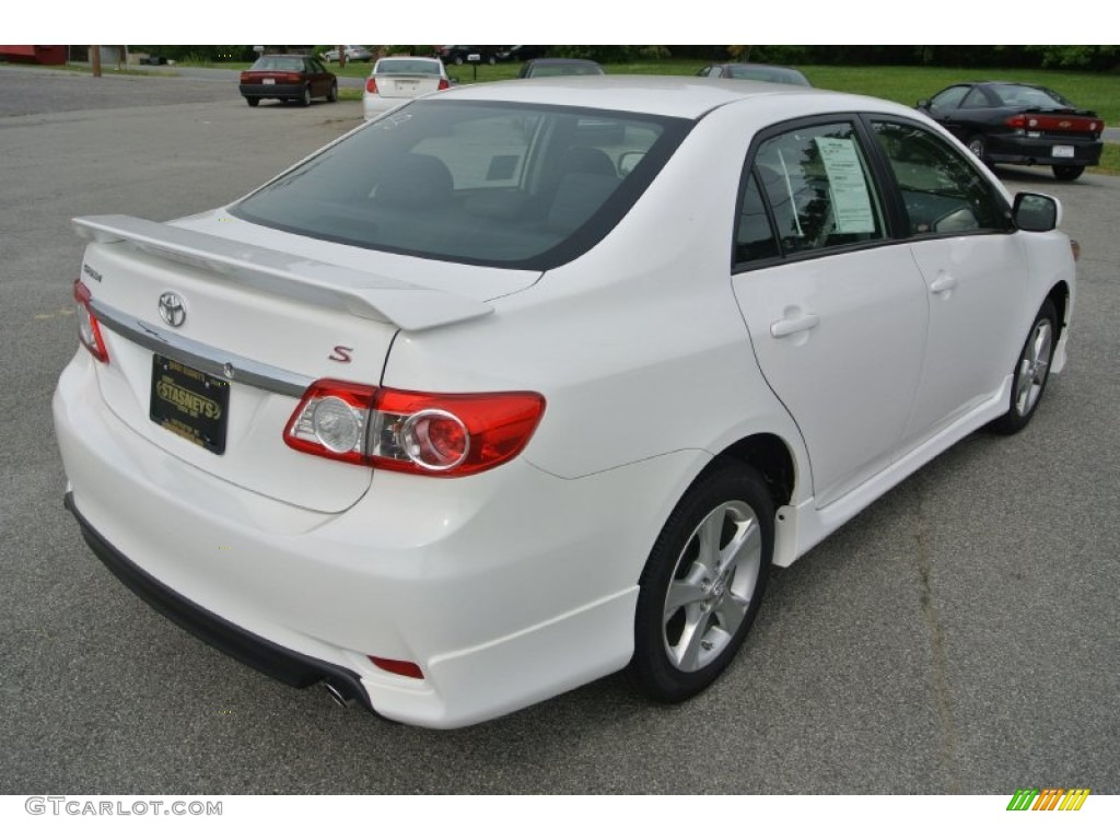 super white 2013 toyota corolla s exterior photo 80981482 gtcarlot. Black Bedroom Furniture Sets. Home Design Ideas