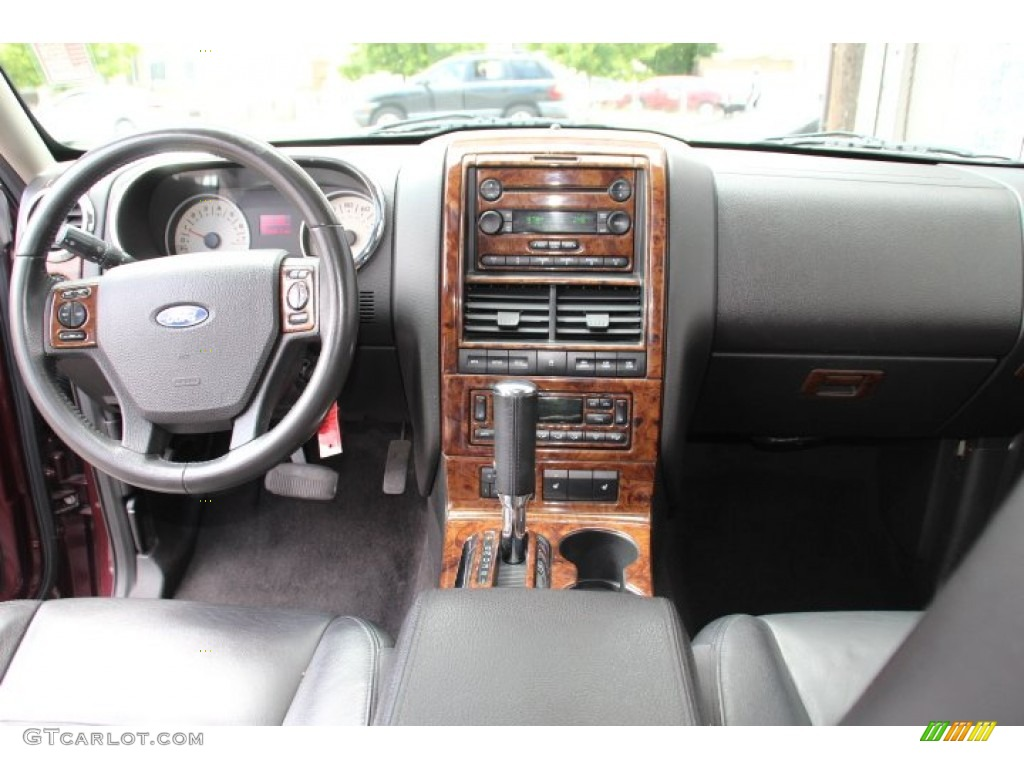2006 Ford Explorer Limited 4x4 Dashboard Photos