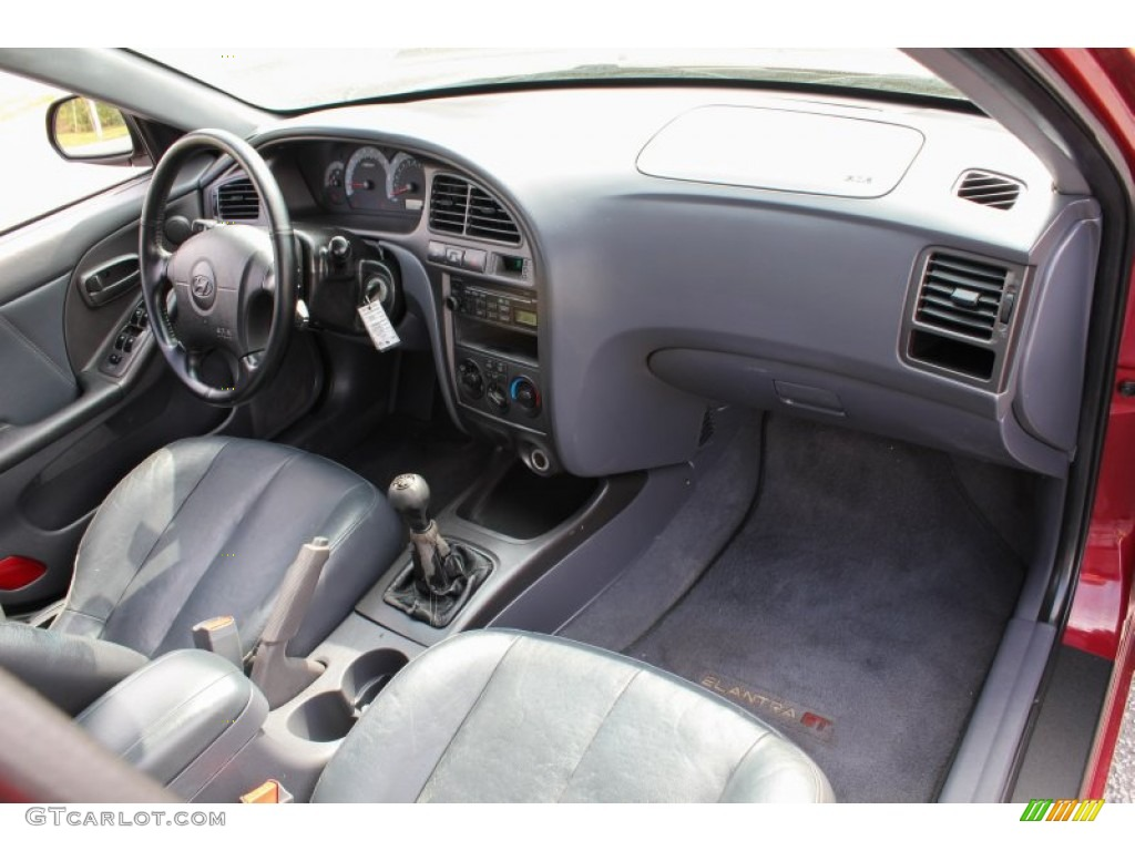 dark gray interior 2003 hyundai elantra gt hatchback photo 81102899 gtcarlot com gtcarlot com