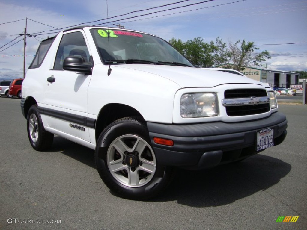 Watch additionally 2004 Chevrolet Blazer Pictures C797 together with Shift Solenoid 199137 in addition Chevrolet Silverado 1999 2006 How To Replace 4wd Vehicle Speed Sensor Vss 392514 additionally 8o4y7 Need Wiring Diagram Color Code 79 Mako 20 Ft 1979. on 2000 black chevy tracker