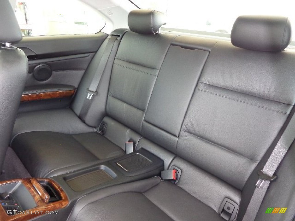 2007 BMW 3 Series 328xi Coupe Rear Seat Photo 81182374