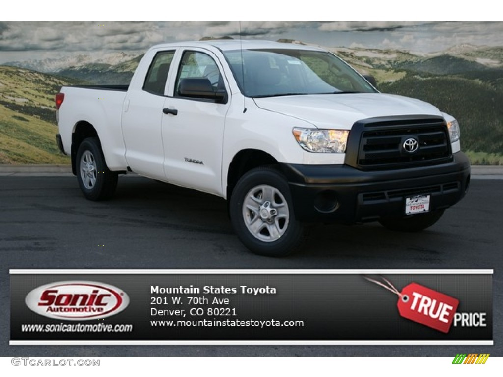 2013 Tundra Double Cab 4x4 - Super White / Graphite photo #1