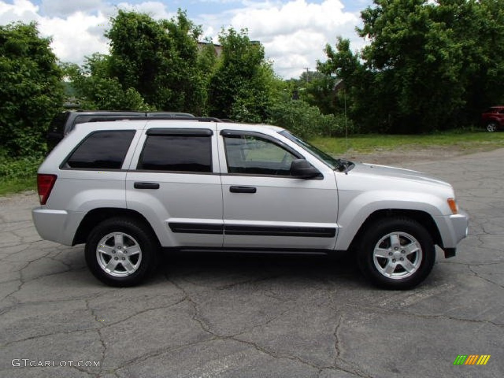 2006 jeep grand cherokee laredo 4x4 bright silver metallic color. Cars Review. Best American Auto & Cars Review