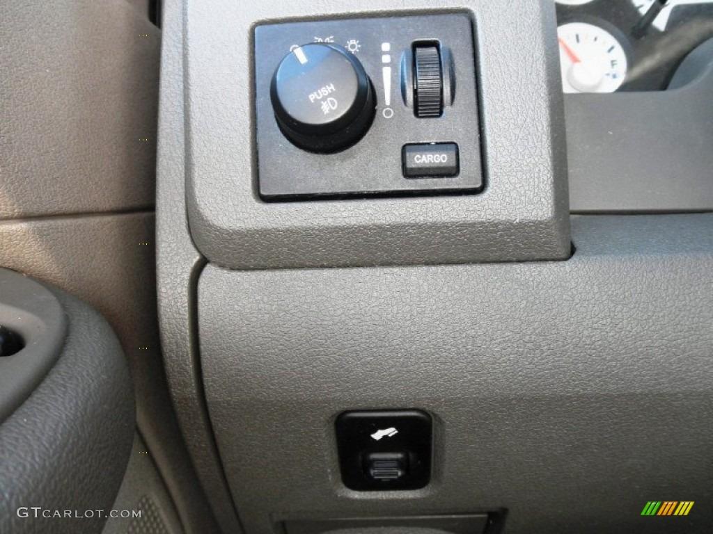 2008 Dodge Ram 1500 Big Horn Edition Quad Cab 4x4 Controls Photo #81470148