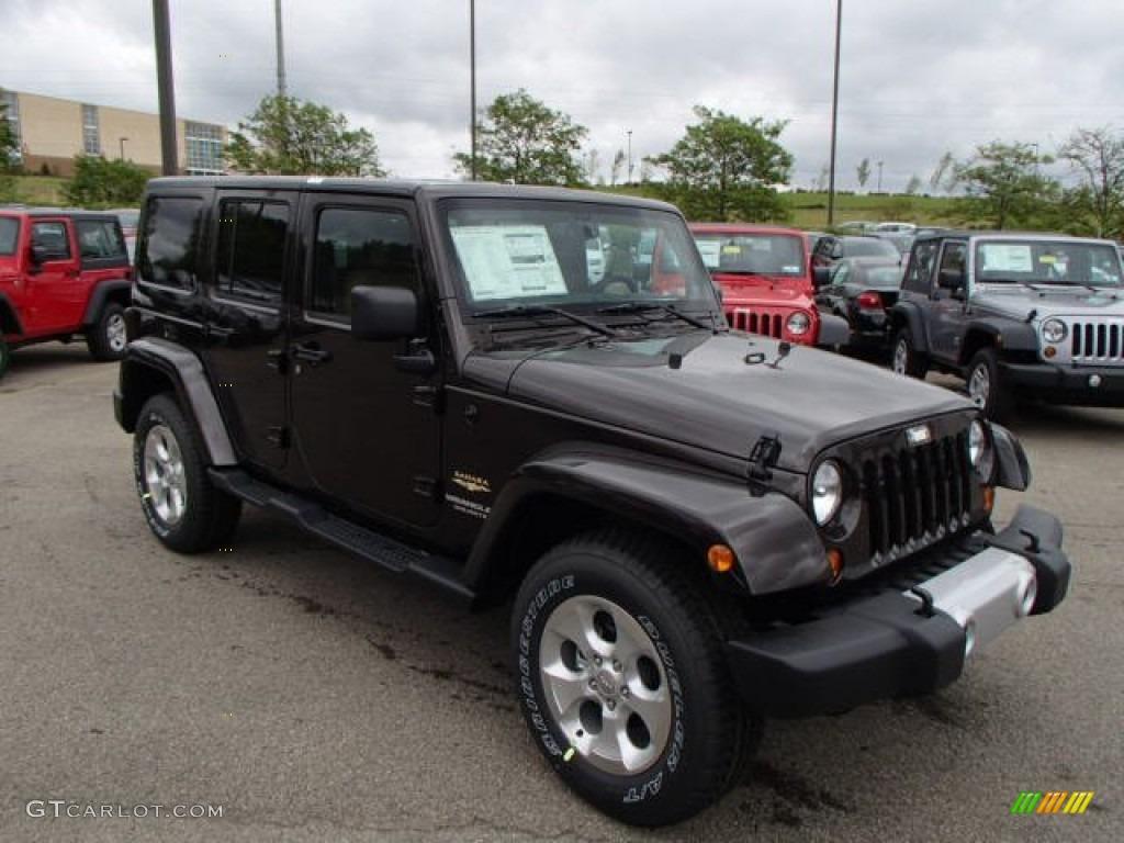 Rugged Brown Pearl 2013 Jeep Wrangler Unlimited Sahara 4x4