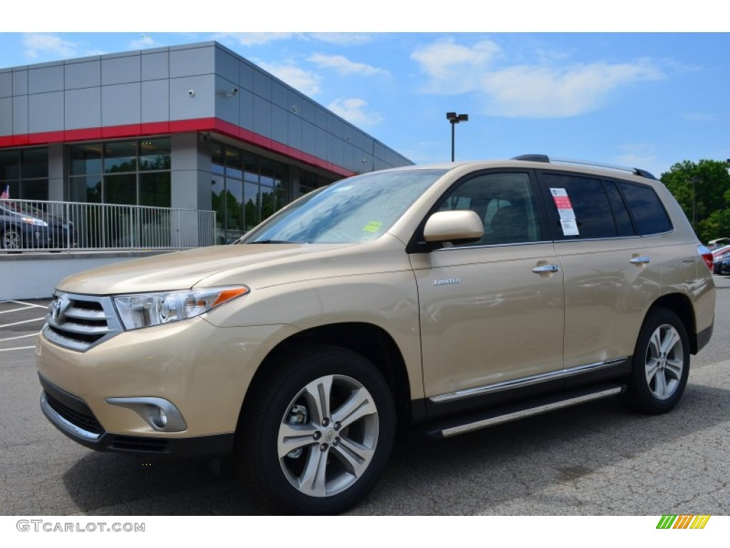 Sandy beach metallic 2013 toyota highlander limited exterior photo 81570373 Toyota highlander 2014 exterior