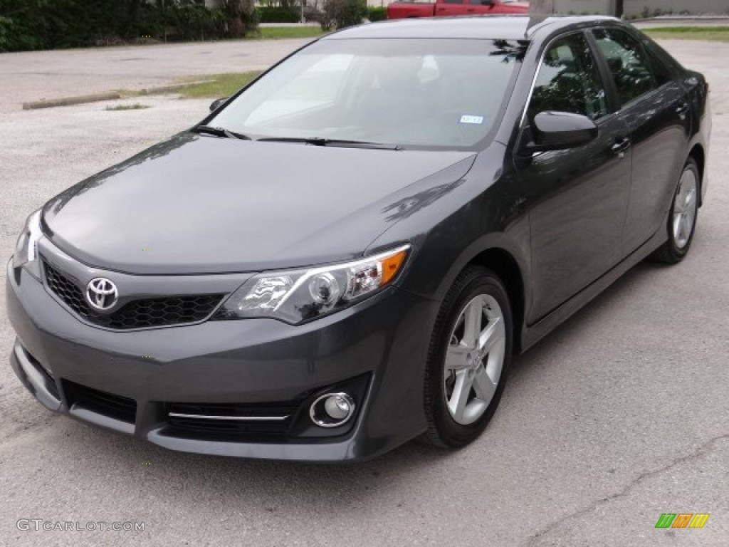 Magnetic Gray Metallic 2013 Toyota Camry Se Exterior Photo