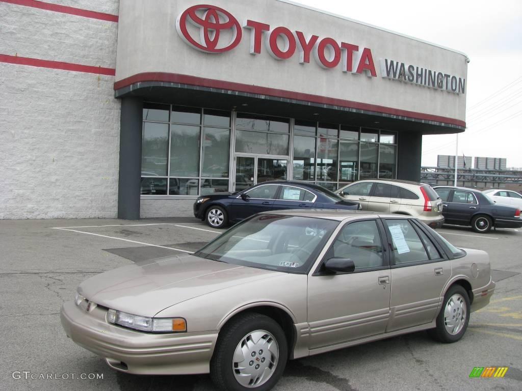 1997 light sandrift metallic oldsmobile cutlass supreme sl sedan 8155441 gtcarlot com car color galleries gtcarlot com