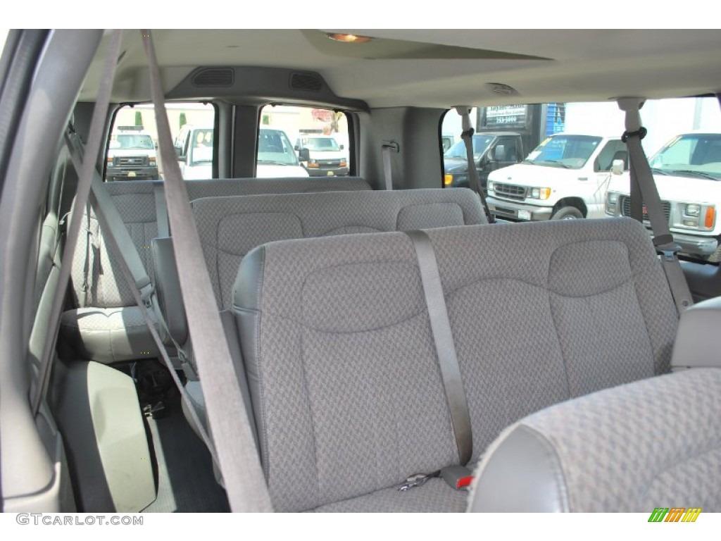 2004 chevrolet express 3500 ls passenger van interior photos