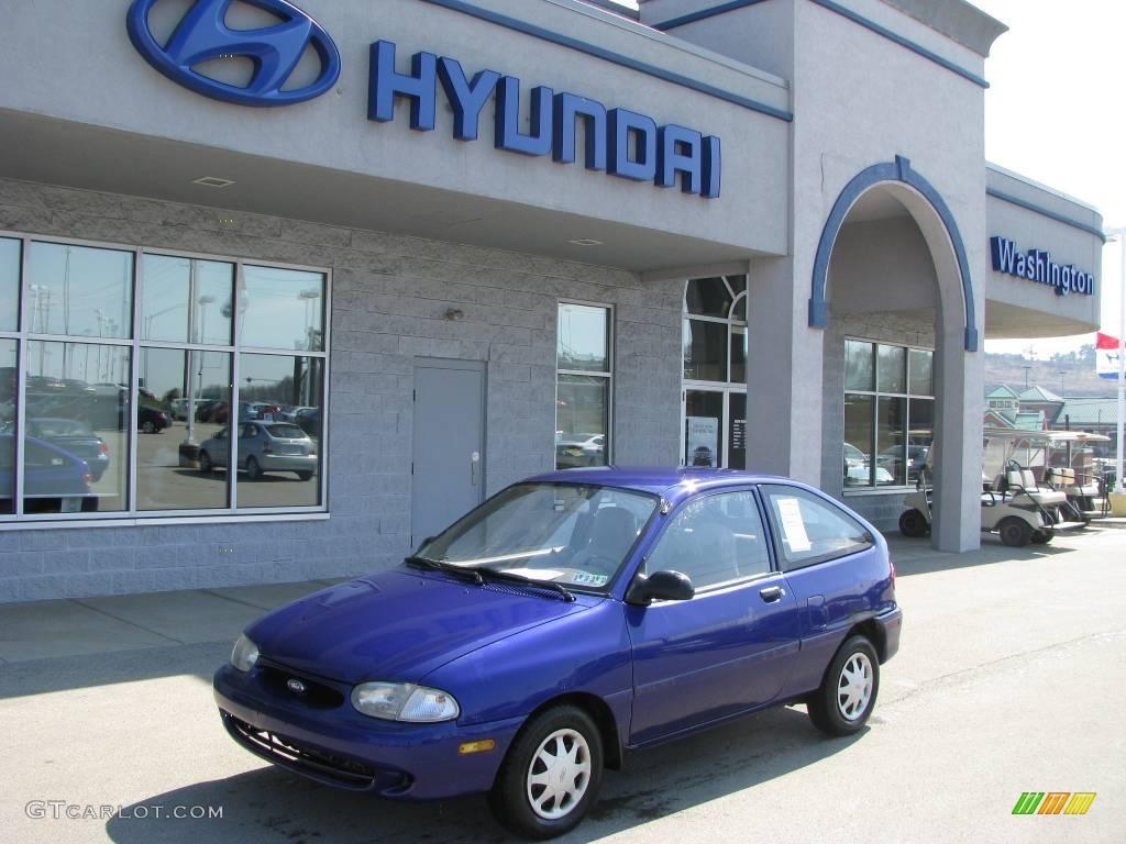 Lapis blue metallic ford aspire