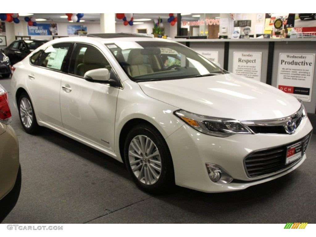 2013 Blizzard White Pearl Toyota Avalon Hybrid Limited