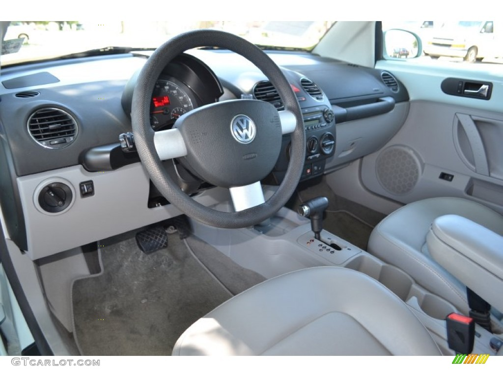 2006 volkswagen new beetle 2 5 related infomation for New beetle interieur