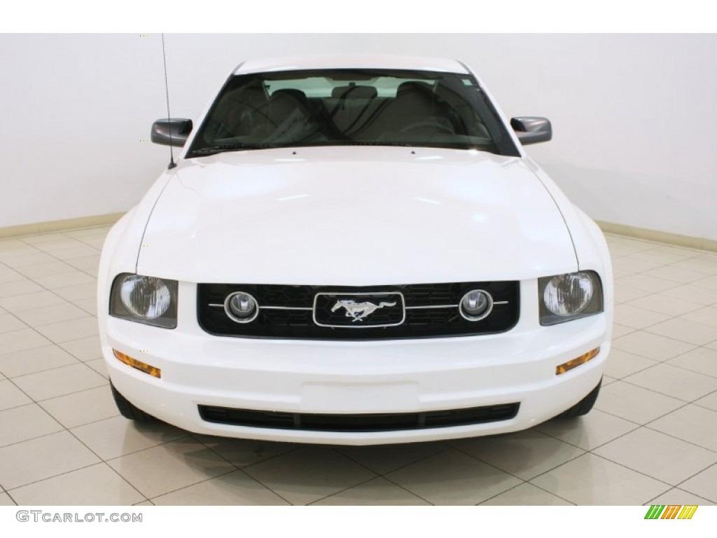 2006 Mustang V6 Premium Coupe - Performance White / Dark Charcoal photo #2