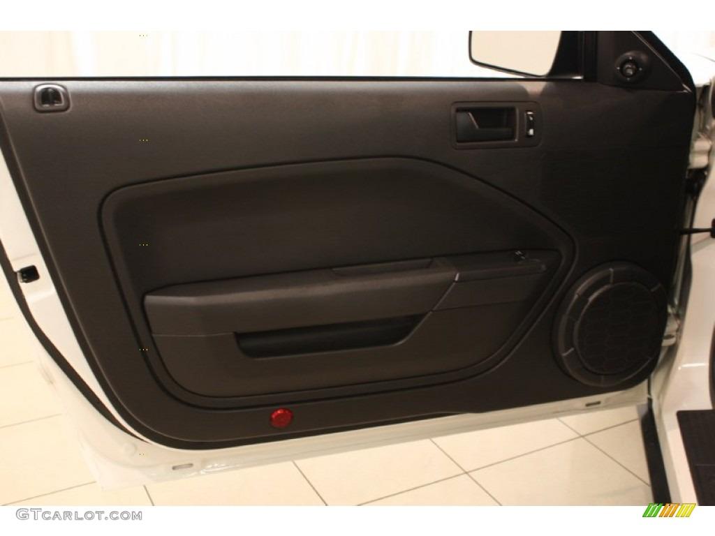 2006 Mustang V6 Premium Coupe - Performance White / Dark Charcoal photo #4