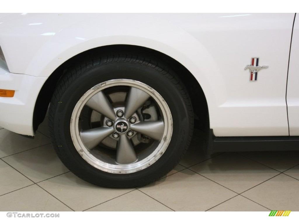 2006 Mustang V6 Premium Coupe - Performance White / Dark Charcoal photo #15