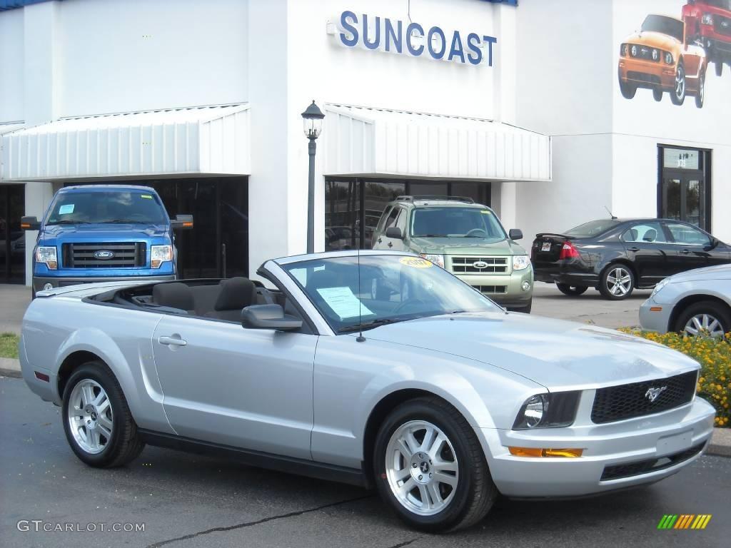 2007 Mustang V6 Deluxe Convertible - Satin Silver Metallic / Dark Charcoal photo #1