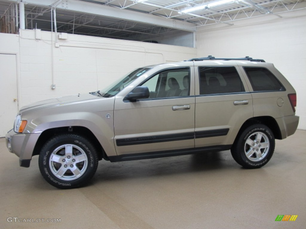 light khaki metallic 2006 jeep grand cherokee laredo 4x4 exterior. Cars Review. Best American Auto & Cars Review