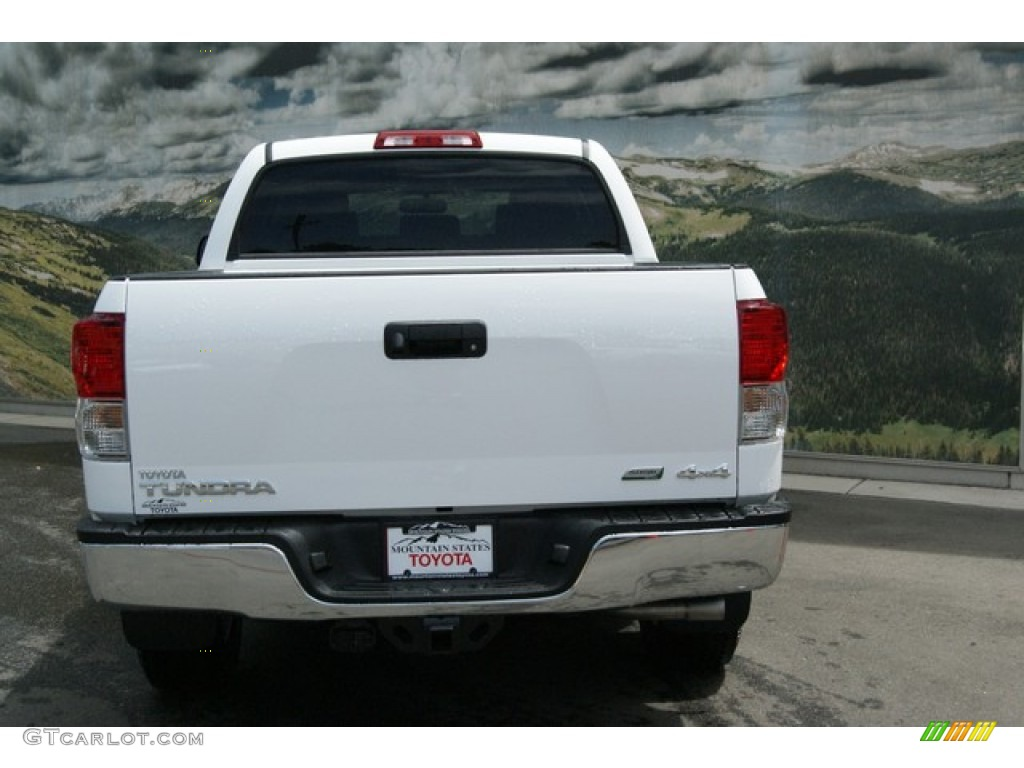 2013 Tundra TRD CrewMax 4x4 - Super White / Graphite photo #4