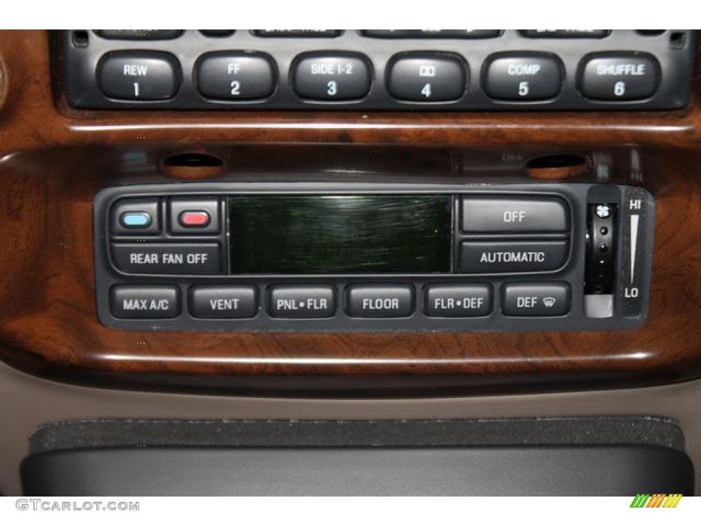 2000 Ford Explorer Limited 4x4 Controls Photo #82544845