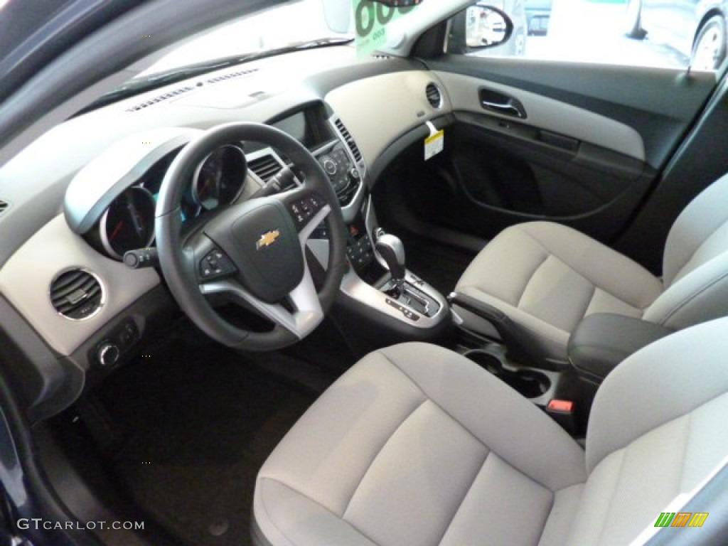 Medium Titanium Interior 2014 Chevrolet Cruze Lt Photo 82600686