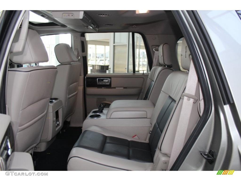 2008 Vapor Silver Metallic Lincoln Navigator Luxury 82969967 Photo 23 Car