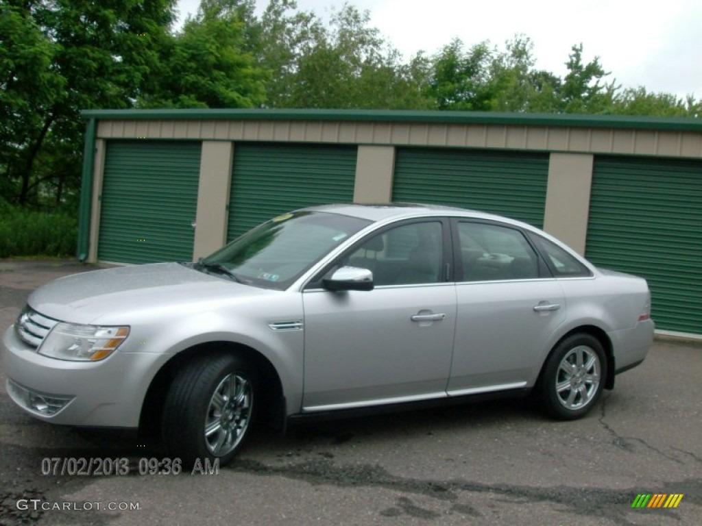 Brilliant silver metallic ford taurus