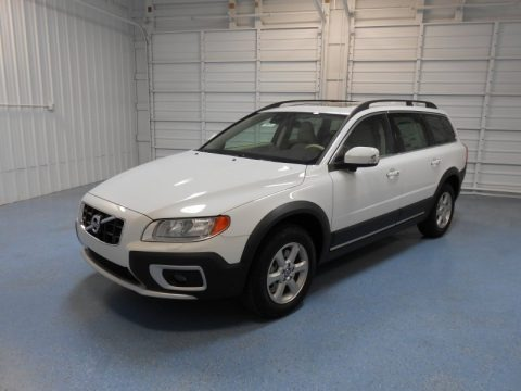 2013 Volvo XC70 3.2 AWD Data, Info and Specs