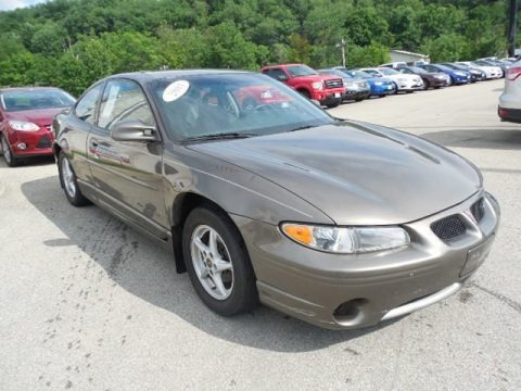 2001 pontiac grand prix gt coupe data info and specs. Black Bedroom Furniture Sets. Home Design Ideas