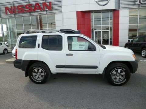 2013 nissan xterra pro 4x 4x4 data info and specs. Black Bedroom Furniture Sets. Home Design Ideas
