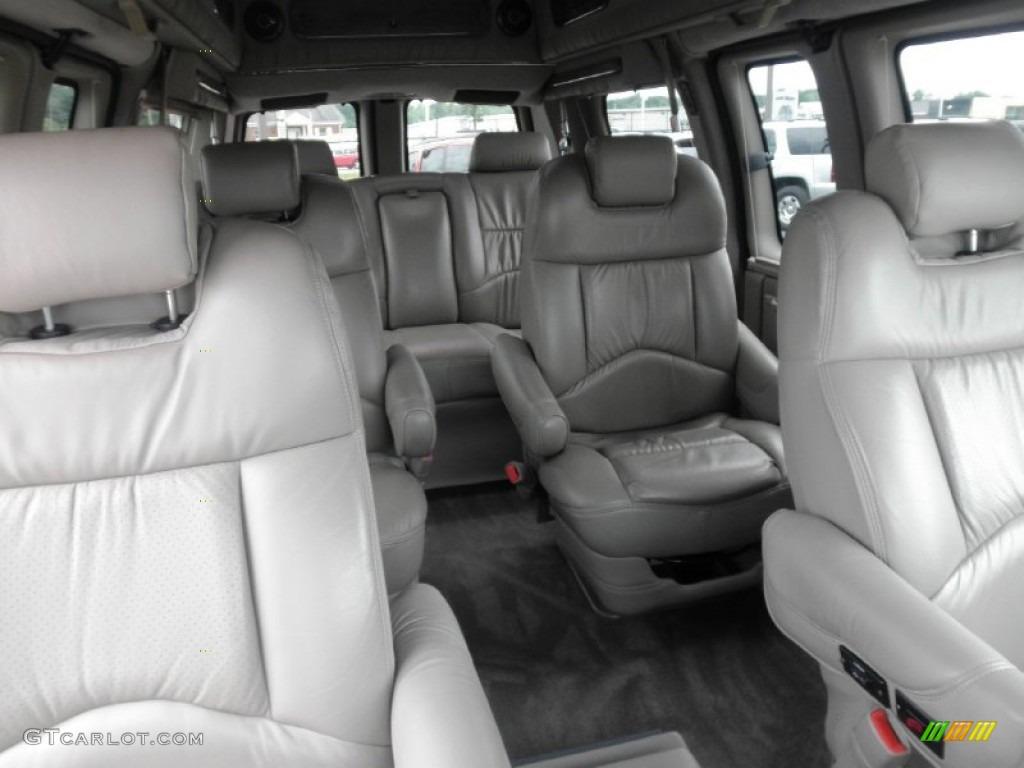 Medium Pewter Interior 2003 Gmc Savana Van 1500 Passenger Conversion Photo 83029084 Gtcarlot Com