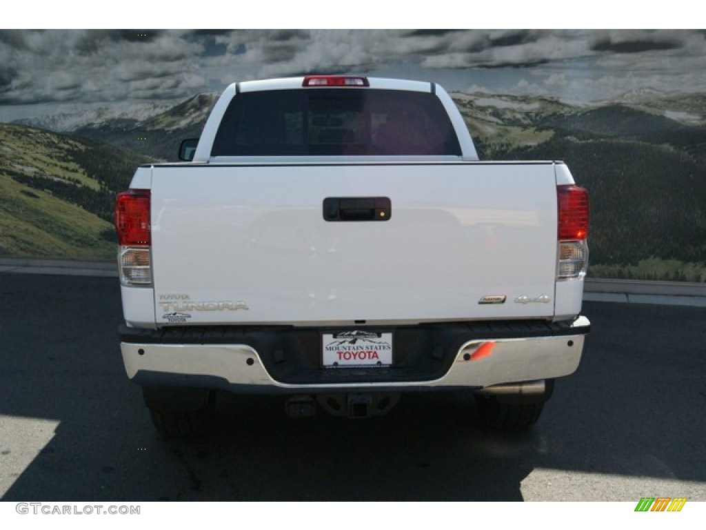 2013 Tundra SR5 TRD Double Cab 4x4 - Super White / Graphite photo #4