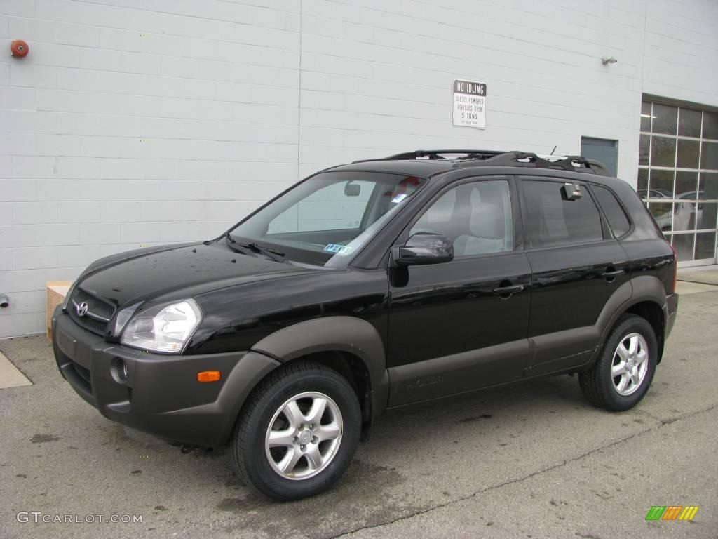2005 obsidian black hyundai tucson gls v6 4wd 8304345. Black Bedroom Furniture Sets. Home Design Ideas
