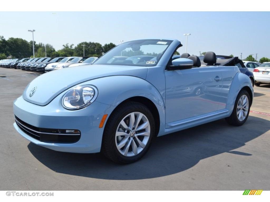 Volkswagen beetle convertible 2014 blue
