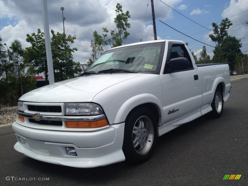 Summit White Chevrolet S10