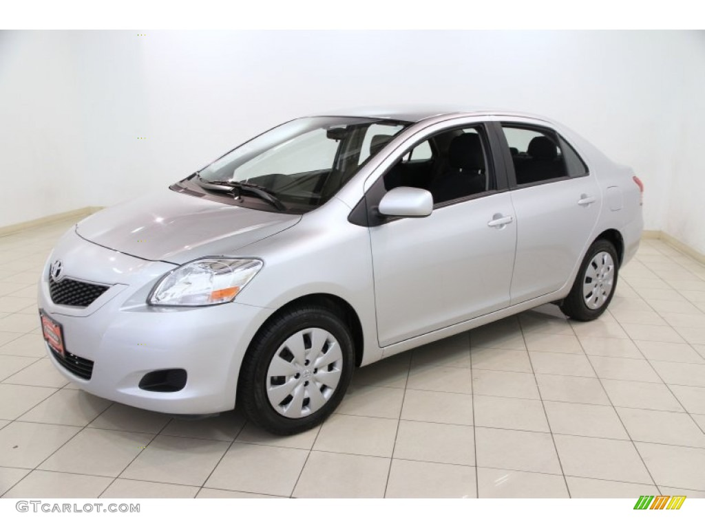 Classic Silver Metallic 2012 Toyota Yaris Sedan Exterior Photo 83633149