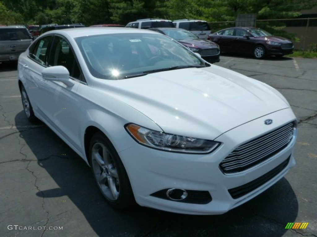 2013 Fusion SE 1.6 EcoBoost - Oxford White / SE Appearance Package Charcoal Black/Red Stitching photo #1