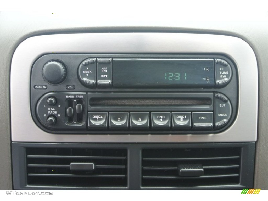 2003 jeep grand cherokee laredo audio system photo. Black Bedroom Furniture Sets. Home Design Ideas