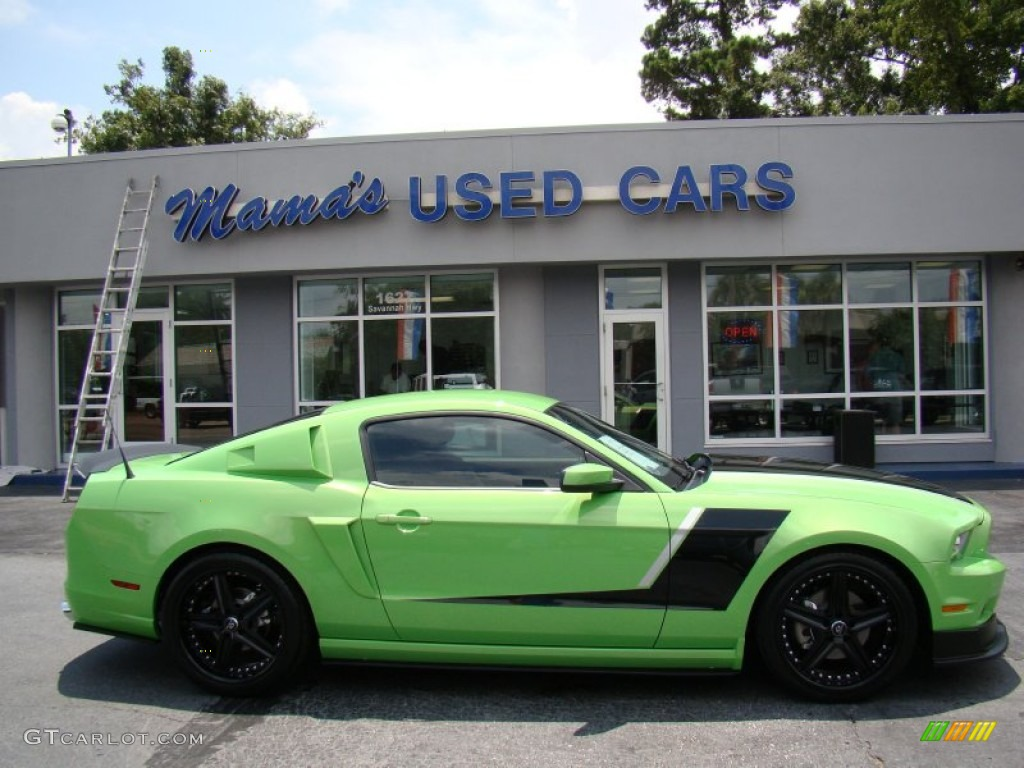 2013 gotta have it green ford mustang v6 premium coupe. Black Bedroom Furniture Sets. Home Design Ideas